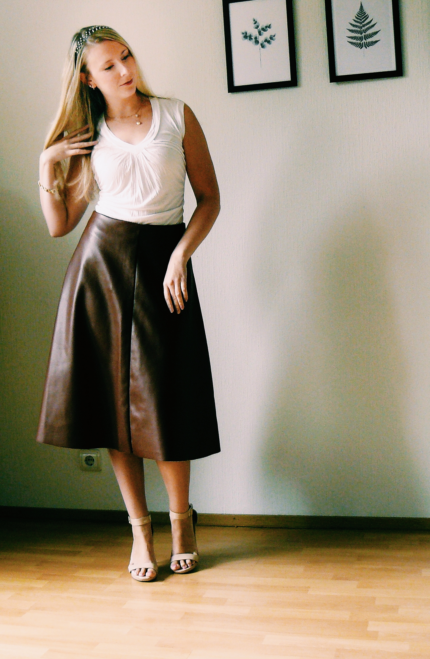 Outlandish blog lifestyle happiness outfit what helps me to dare