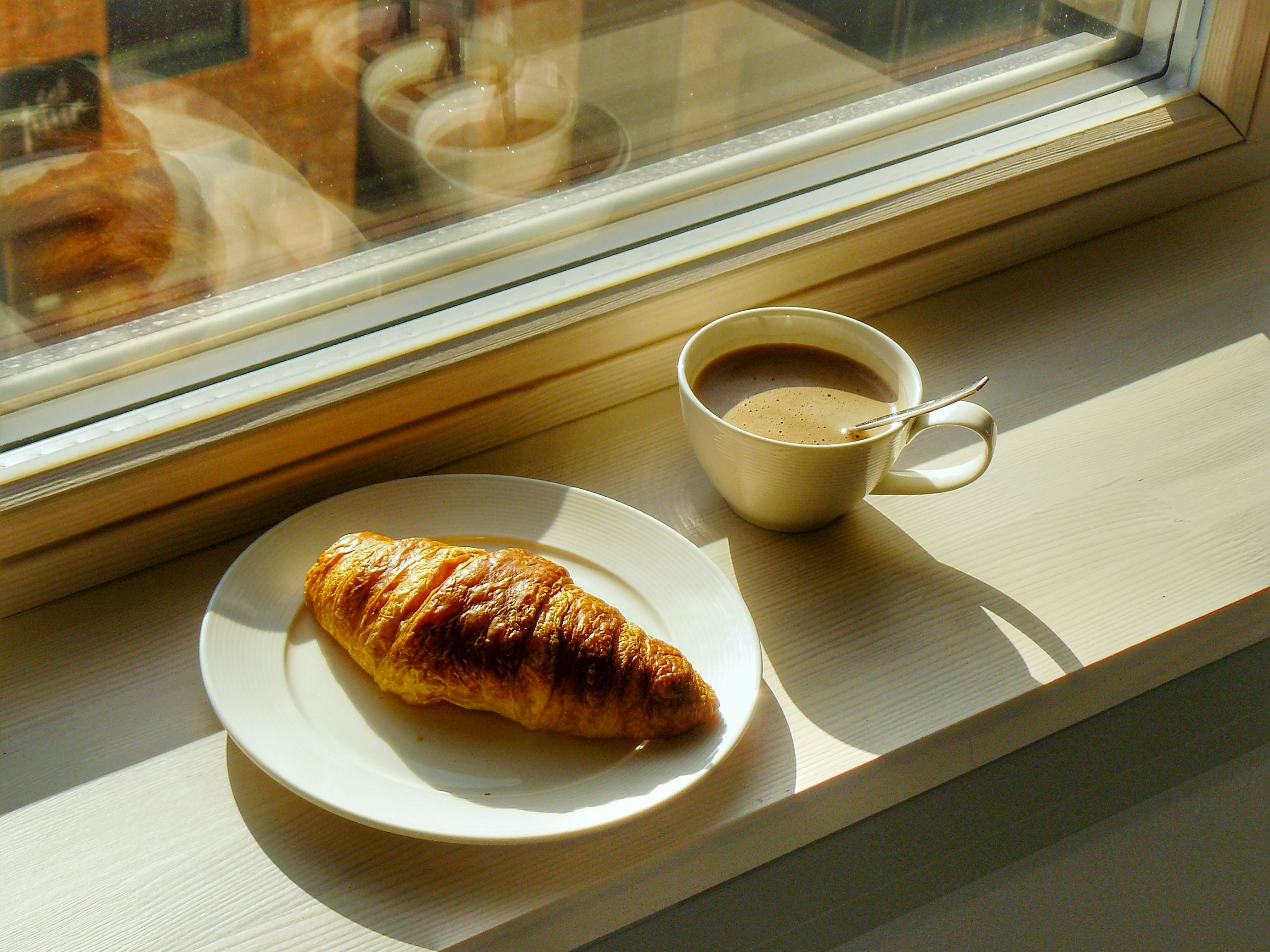 Outlandish blog ode to croissant power breakfast