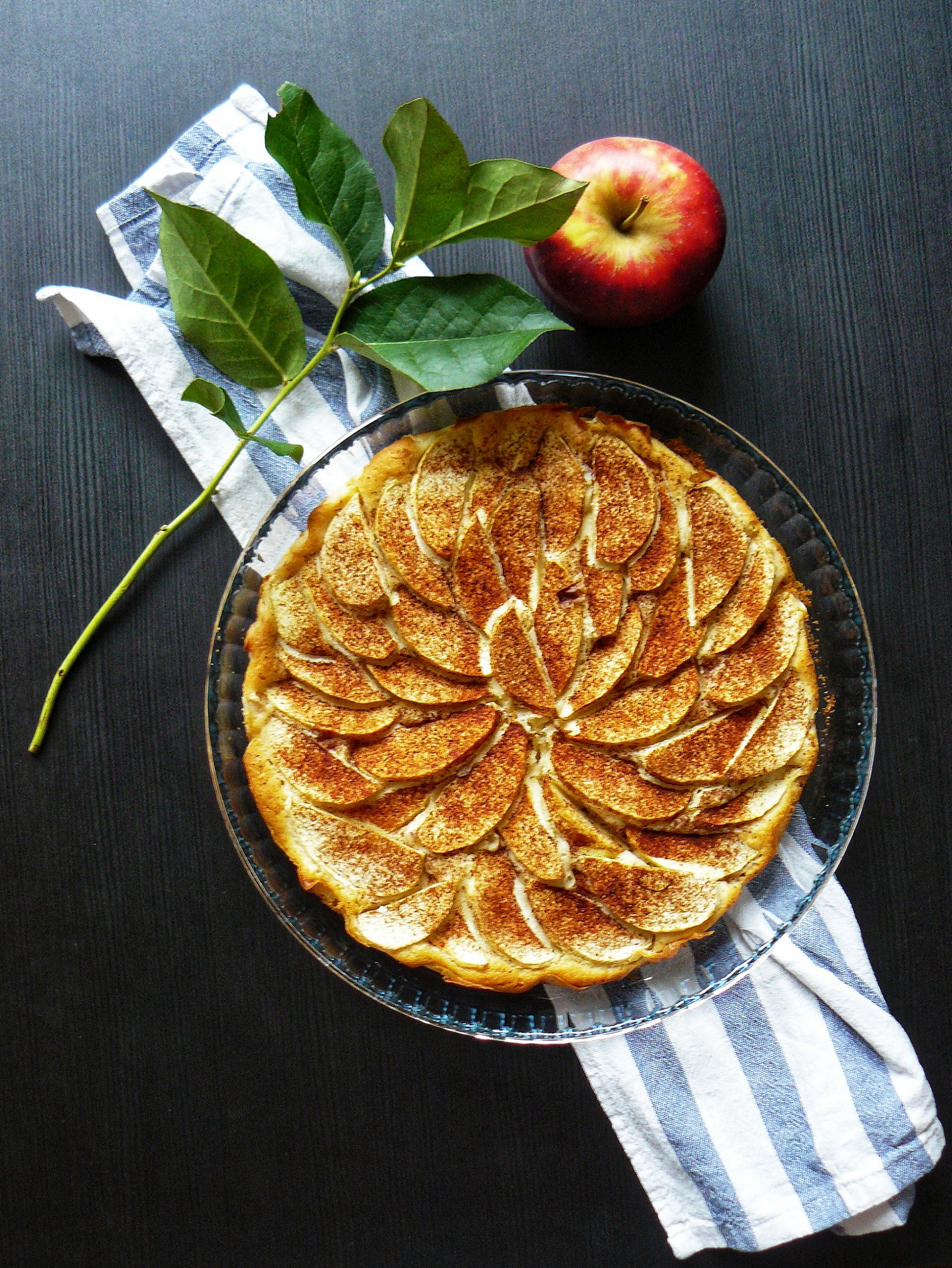 Outlandish blog flat lat photography apple pie recipe