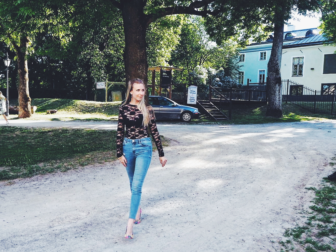 Outlandish blog style rules fashion trends