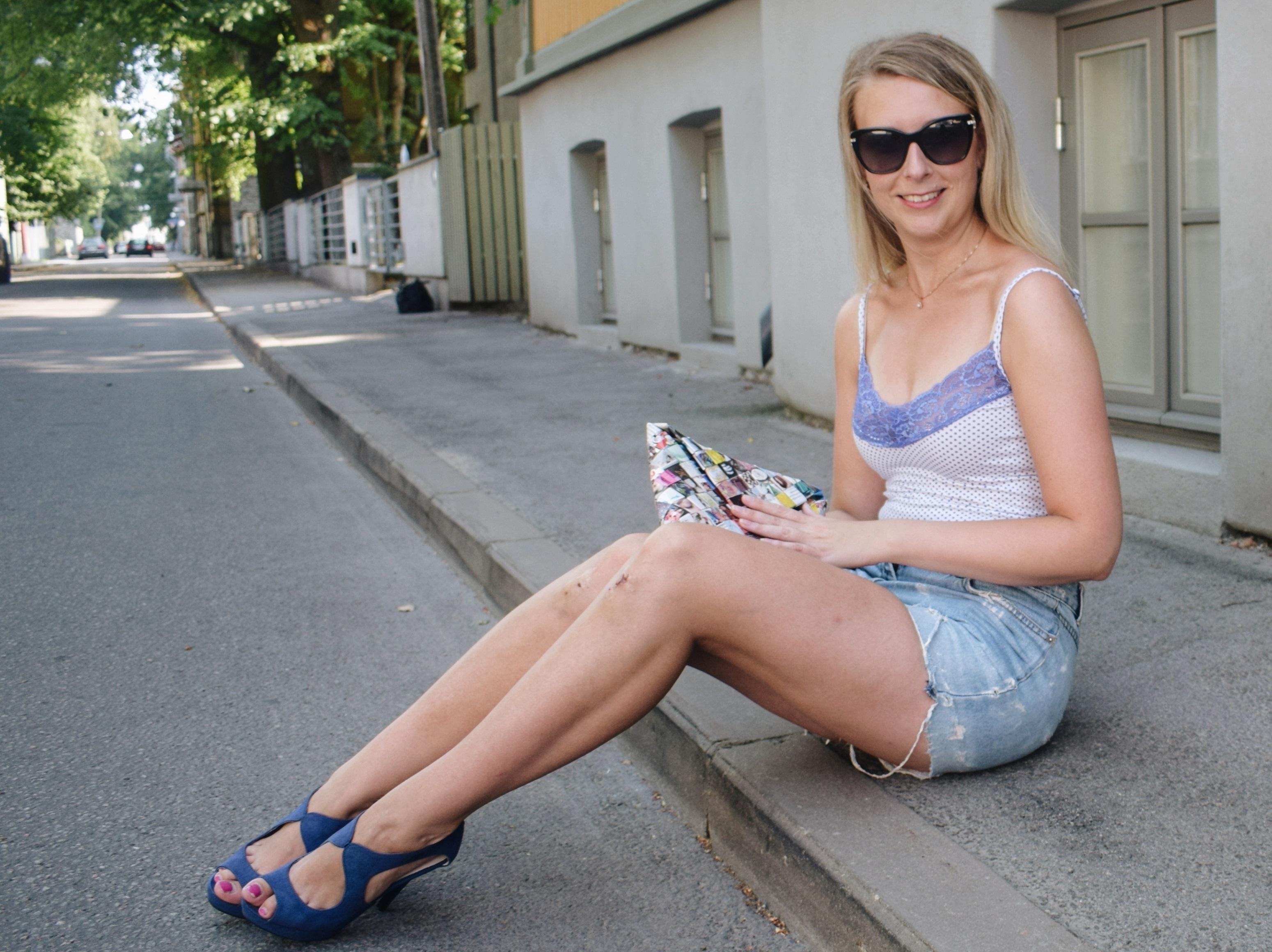 Outlandish blog sensitivity Winning Tactics Surviving Rainy Days Model outfit
