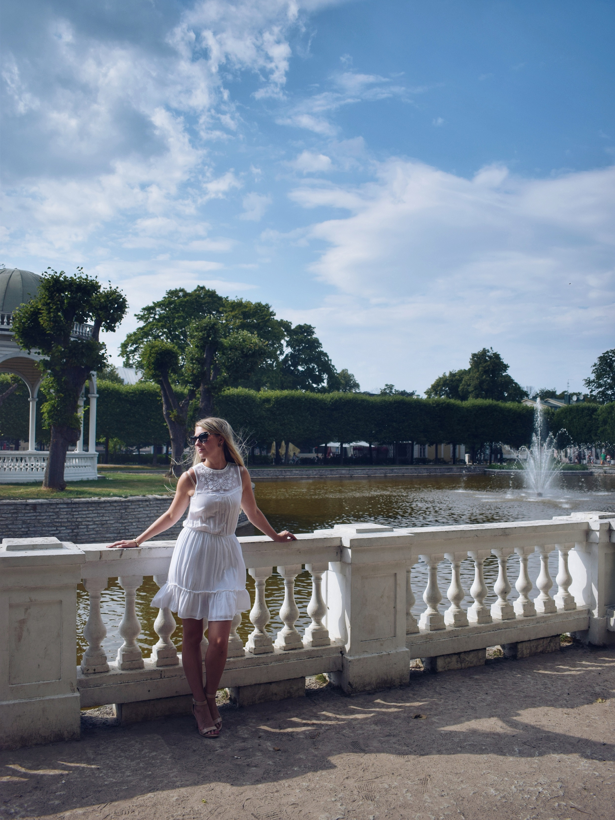 Outlandish blog photography challenge What I wore white dress model