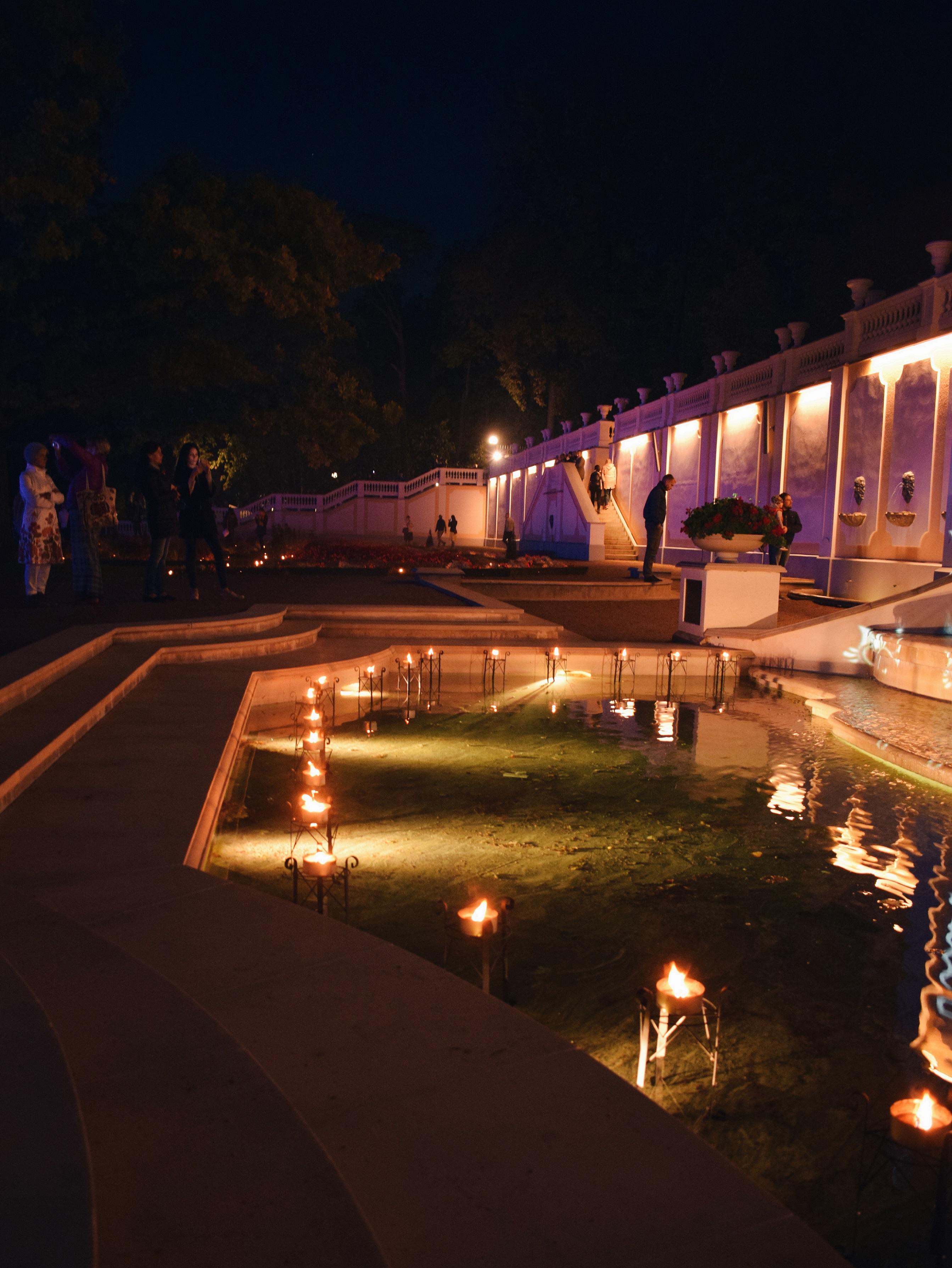 Outlandish blog look-book photography darkness lights festival Kadriorg Palace Tallinn