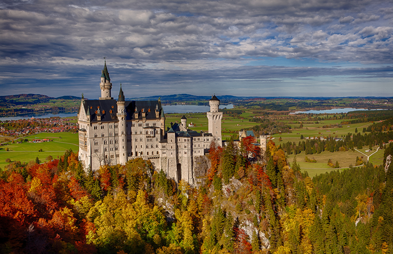 Outlandish blog autumn travel destinations Munich