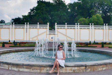 Outlandish blog how grow Instagram followers week blogging challenge Summer white dress fountain
