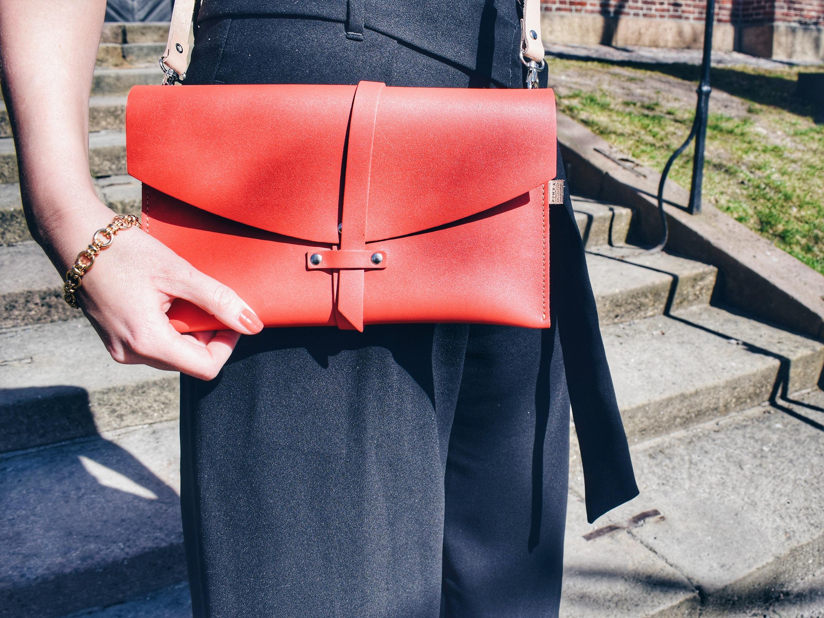 What Makes The Perfect Handbag